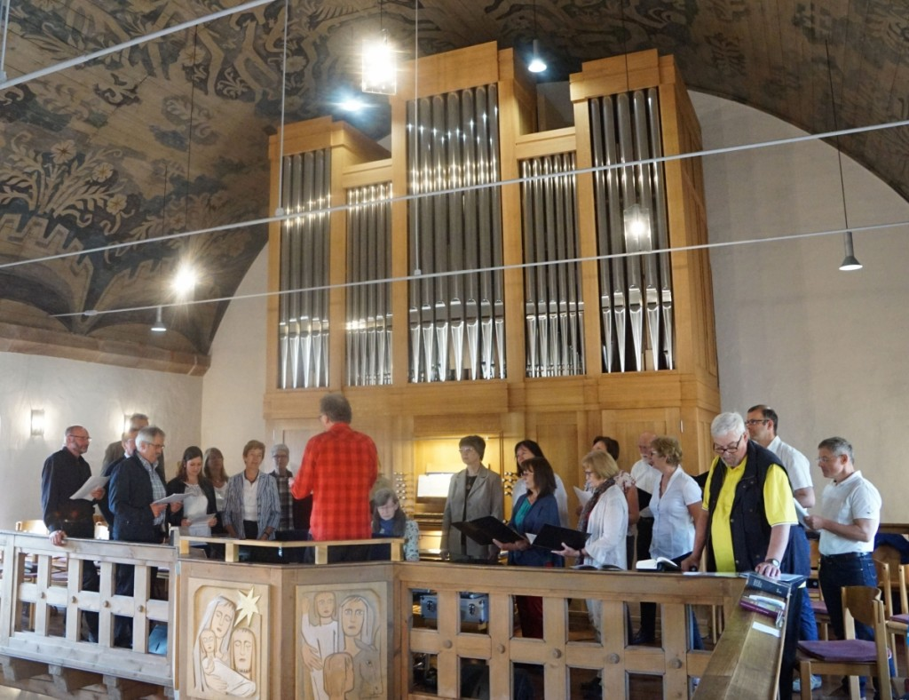 Orgel mit Gospelchor Gospel Voices